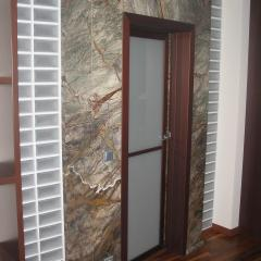 Изготавливаем и устанавливаем мраморные дверные порталы