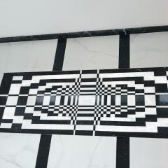 Пол с декоративной мраморной панелью