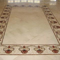 Мраморный пол с мозаичным декором