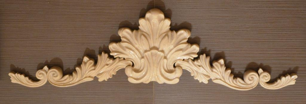 Центральный декор ( вырезанный в мраморе и полированный)